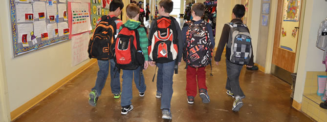 Picture of kids walking in hallway